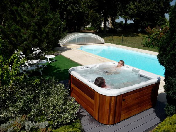 jacuzzi de jardin cheap tinas de jardin jacuzzi diferentes modelos y precios with jacuzzi de. Black Bedroom Furniture Sets. Home Design Ideas