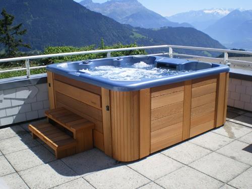 Installer son spa sur la terrasse ou dans le jardin